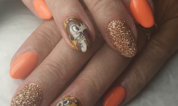 Ongles - manucure - vernis - orange brillant - Disney