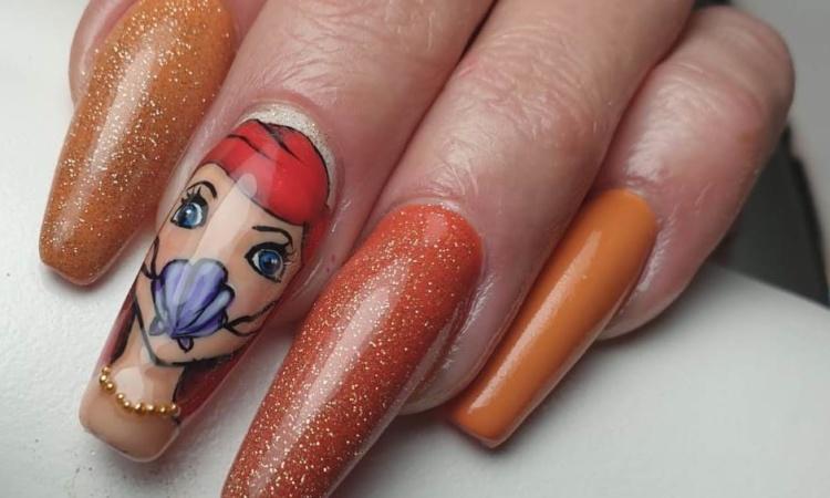 Ongles - manucure - vernis - orange brillant - reine